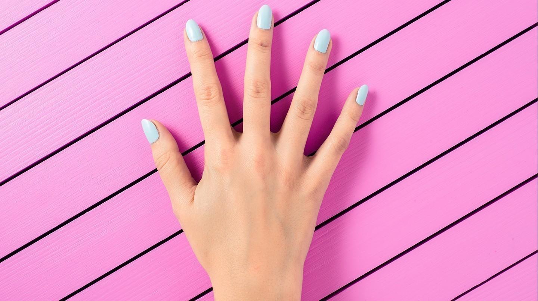 Für schöne und kräftige Nägel kommt es auf die Pflege an